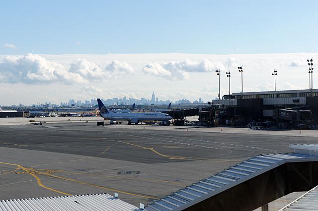 ニューアーク空港からマンハッタンを望む